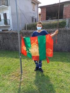 La bandiera di quest'anno, con i segni delle avversità che ha affrontato!